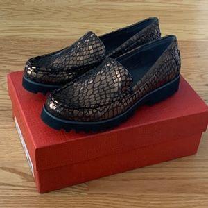 NIB Donald J Pliner Rio Lug Sole Metallic Loafers